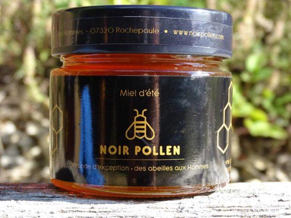 miel-presse-ete-noir-pollen